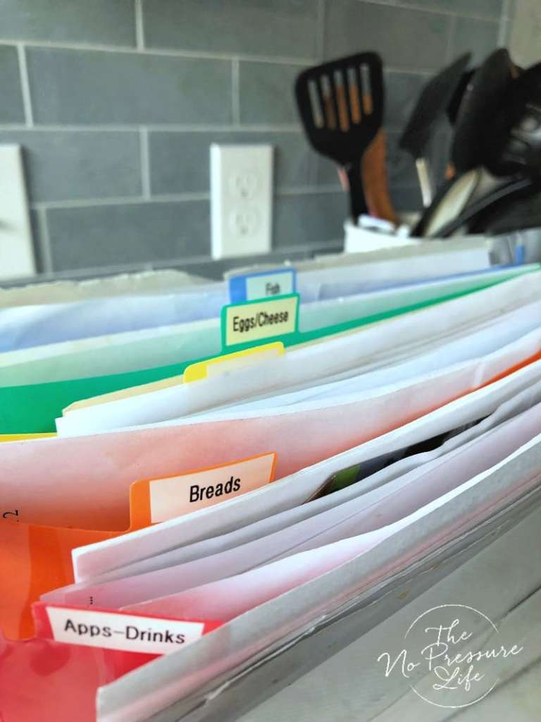 How to Organize Loose Recipes in an accordion file folder