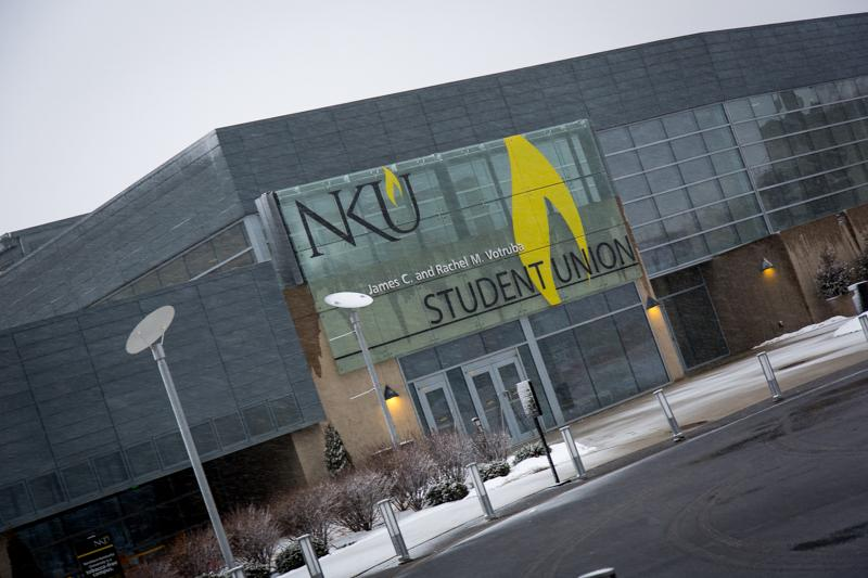 Initial+maintenance+crews+began+treating+campus+Wednesday+afternoon.+NKU+closed+at+4%3A30+pm+on+Wednesday%2C+Mar.+4%2C+2014+due+to+impending+snow.
