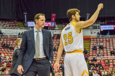 Billups' 20 points not enough as Norse fall 74-63