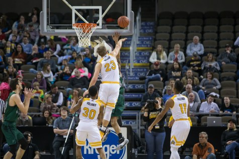 Gallery: Norse get back on track with victory over Cleveland State