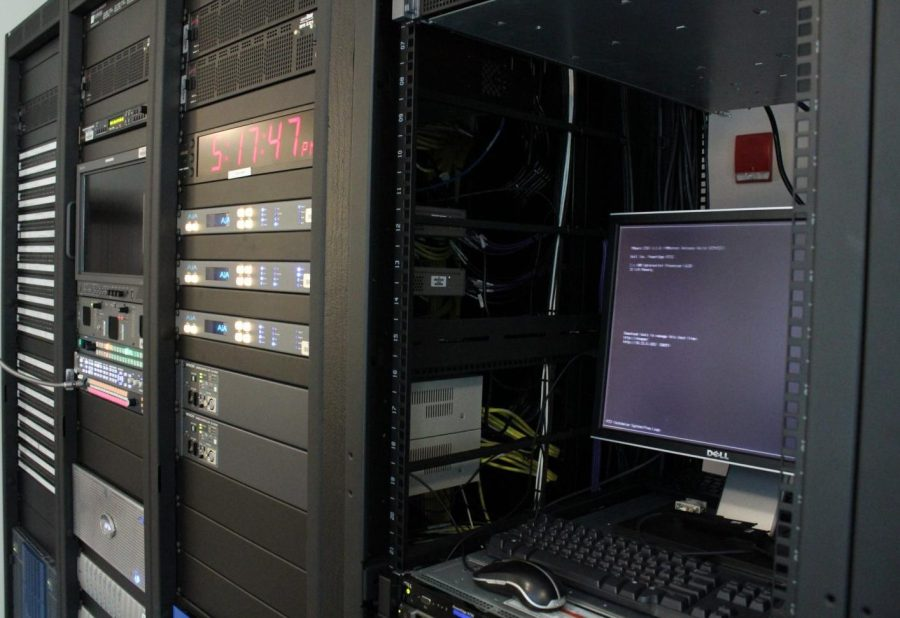 The+server+system+on+the+third+floor+of+Griffin+Hall.