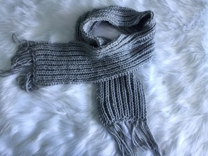 Read more about the article Chunky Ribbed Knit Scarf