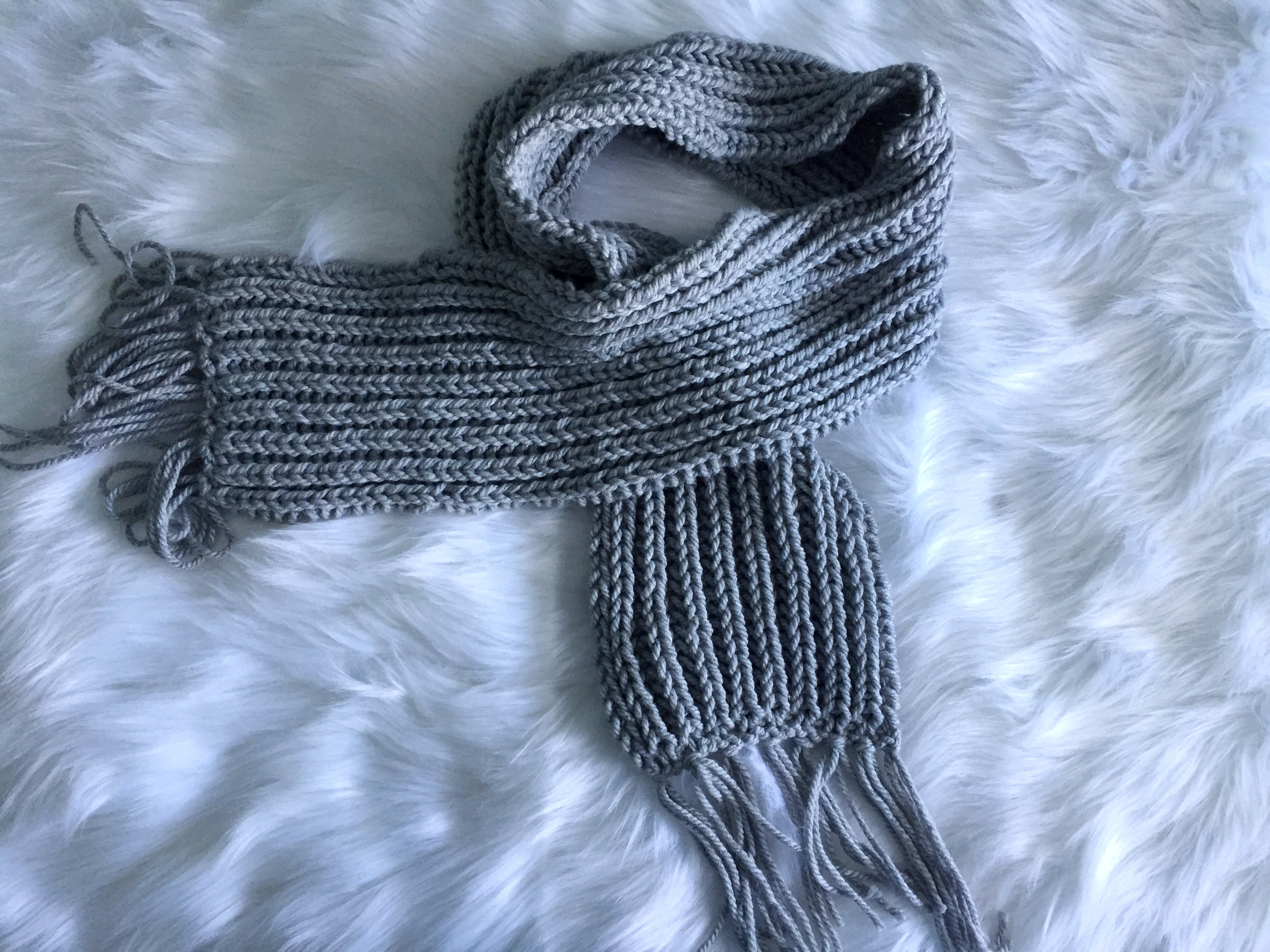 Chunky Ribbed Knit Scarf