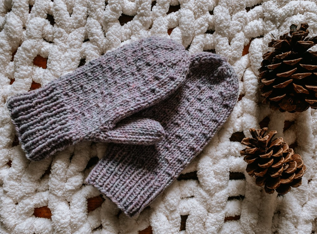 Riselay free knit mitten pattern