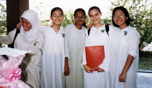 With her Form 5 classmates from SM Bukit Bandaraya, Bangsar. Aishah is second from right.