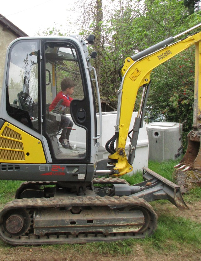 Then the next day, our newest team member, five-year-old Flavio, drove this thing all over the yard with confidence!!!