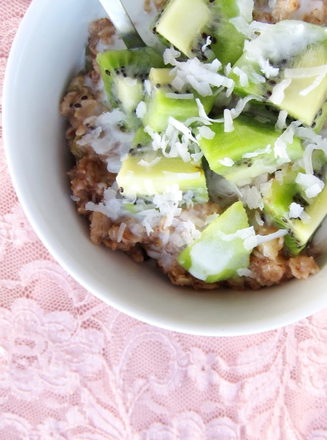 tea-steeped-oatmeal-with-kiwi-003