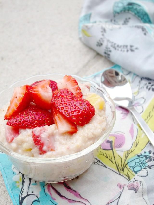 Strawberry Pineapple Oatmeal #vegan