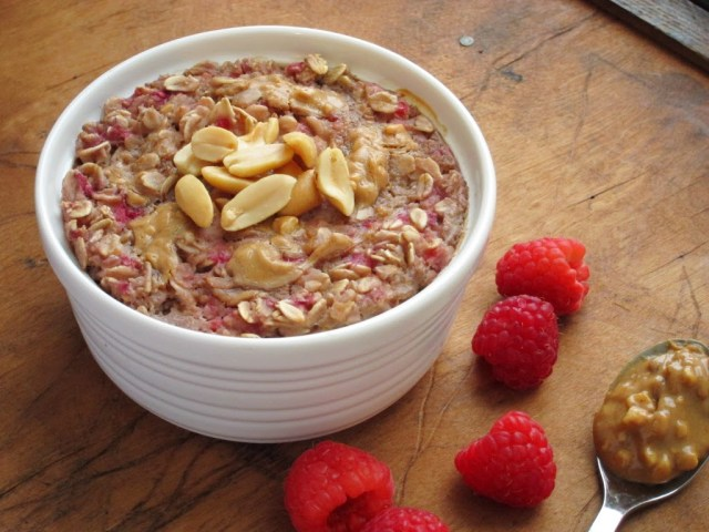 peanut-butter-berry-baked-oatmeal-25282-2529