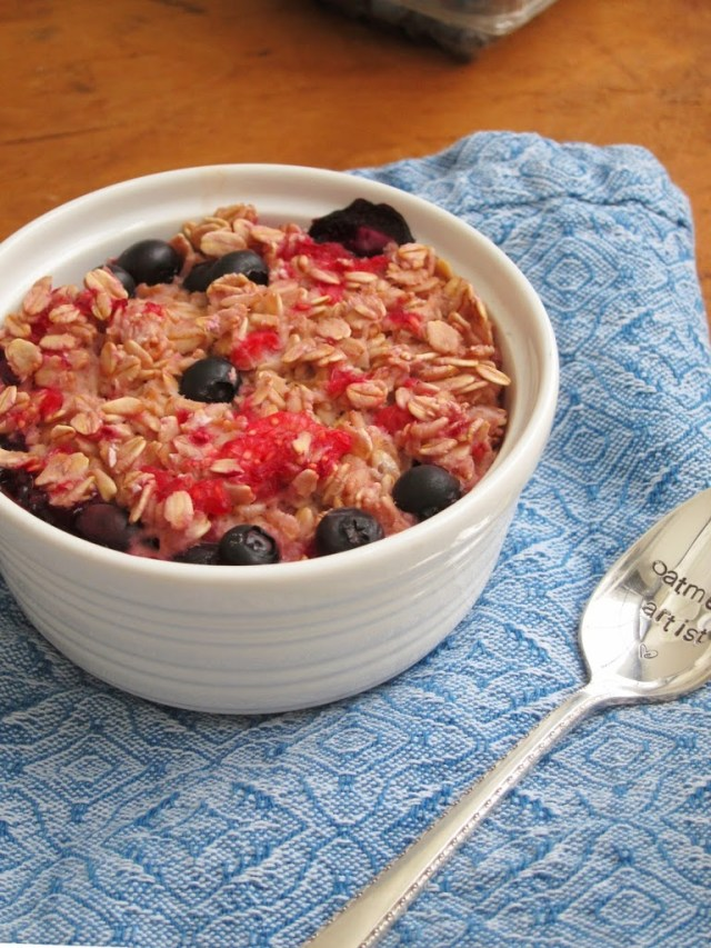 double-berry-baked-oatmeal-25285-2529