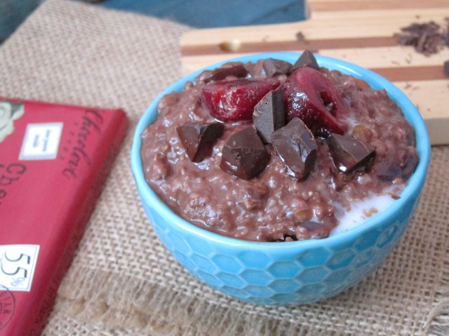 Chocolate Chili Cherry Oatmeal #vegan #oatmealartist #chocolove