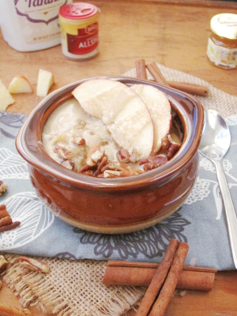 Apple Oatmeal with Tahini and Honey #oatmealartist Sub maple or agave for vegan!