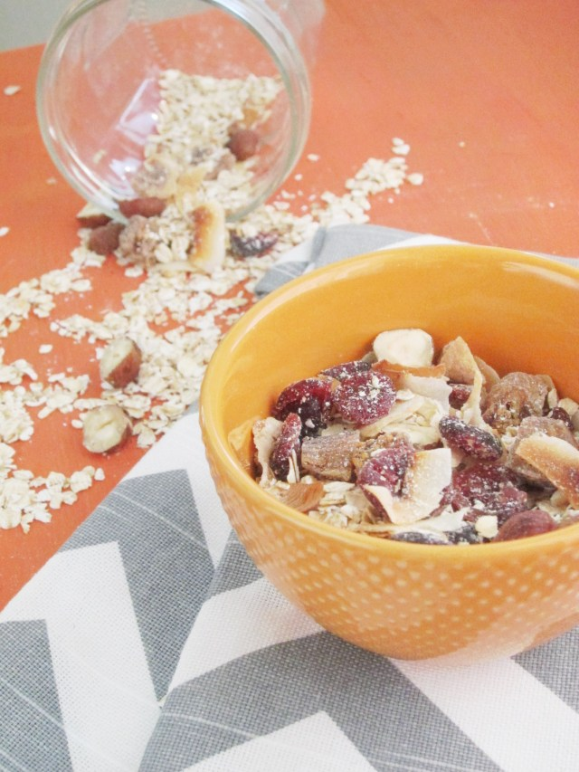 Fig and Toasted Hazelnut Muesli by the #oatmealartist