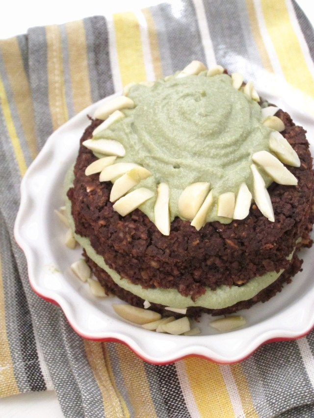Brownie Baked Oatmeal with Matcha Cashew Frosting #vegan