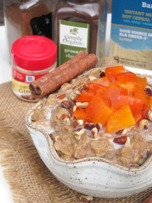 Gingerbread Persimmon Oatmeal by the #oatmealartist #vegan #betteroats