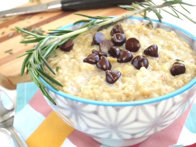 Rosemary Chocolate Chip Oatmeal #oatmealartist