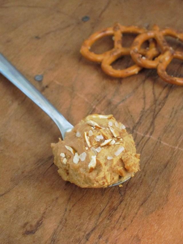 Salted Pretzel PB2 by the #OatmealArtist #vegan