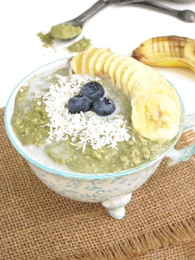 Matcha Yogurt Overnight Zoats #Vegan #Oatmeal #OatmealArtist
