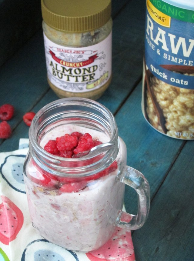 Raspberry Almond Butter Oatmeal Smoothie #oatmealartist #vegan