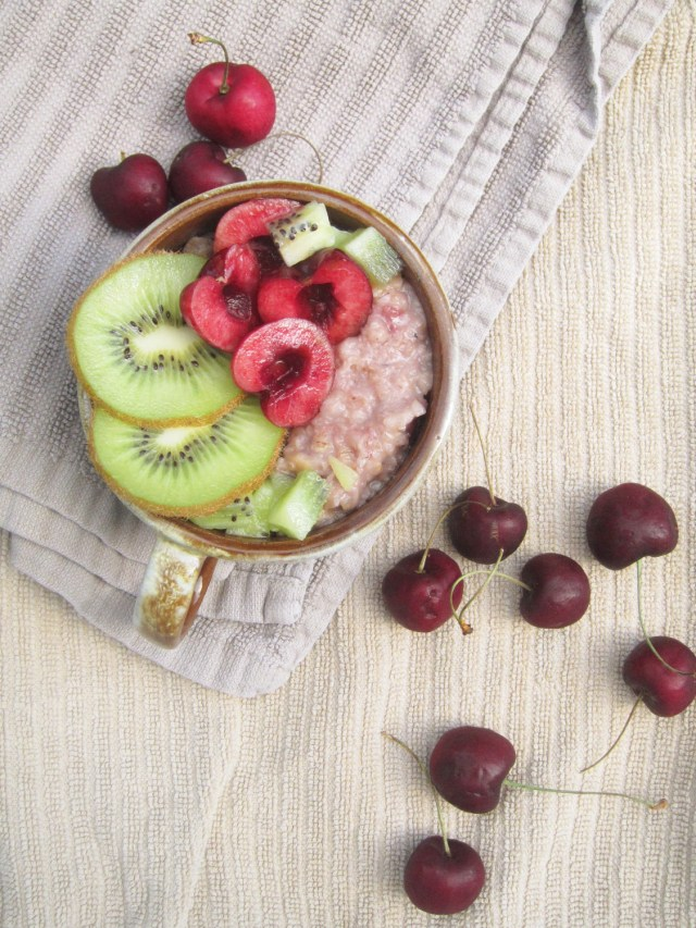 Cherry Kiwi Oatmeal by the Oatmeal Artist