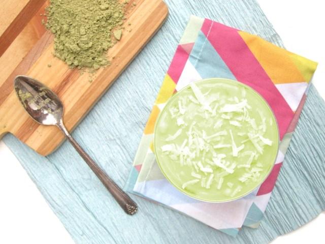 matcha-yogurt-and-fudgy-overnight-oats-parfait-oatmealartist-vegan