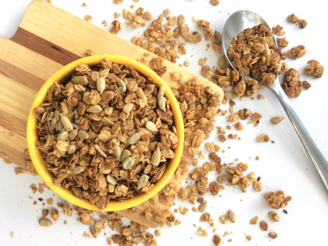 double-sunflower-seed-granola-oatmealartist-vegan