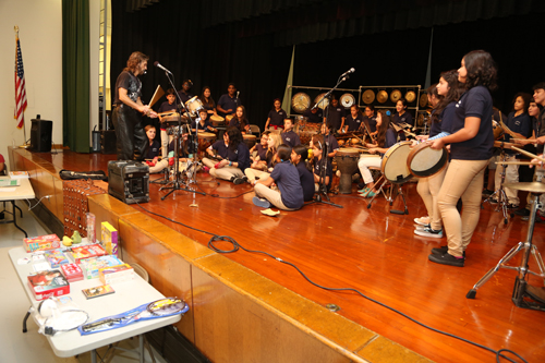 Photo courtesy Michael Emmons Tony Vacca conducts musical workshop at Franklin School.