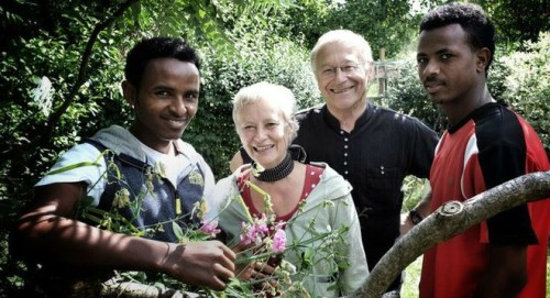 German Cuckserative Martin Patzelt offers his wife's services to two Eritreans