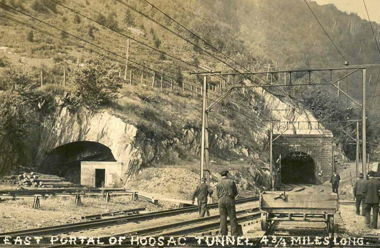 Into The Darkness: 7 tunnels les plus hantés du monde