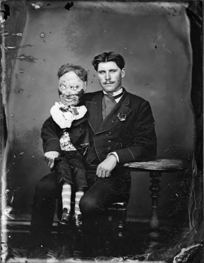 20 Horrifying Old Vintage Photographs that Will Haunt your Dreams