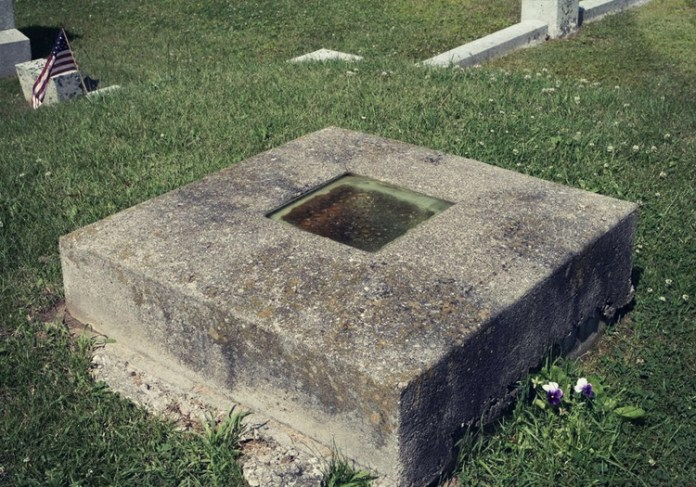 The 7 Strangest Graves and Burial Sites from Around the World