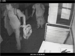 Thieves at Bobby Mackey's Music World are suspected of being ghost hunters.