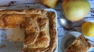 Easy Apple Pie Recipe with Pink Peppercorns Feat