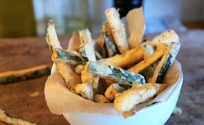 Courgette Chips (zucchini fries) – how to make the best courgette chips ever!