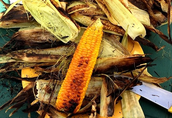 Cooking Corn on the Cob – straight on the coals!