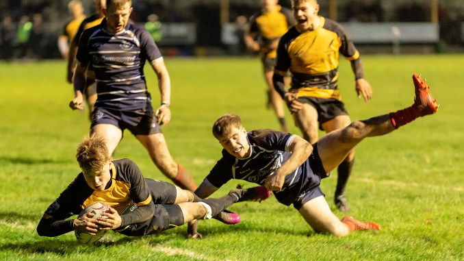 Currie Chieftains kept the pressure on Marr at the top of the table with a big home win over Musselburgh. Image: Fraser Gaffney