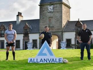 L to R: Ayrshire Bulls forward Blair Macpherson, Allanvale Principal Director Jim Kirkwood and Ayr RFC General Manager Glen Tippet launch a new three-year partnership at Auchincruive Estate. Image: George McMillan