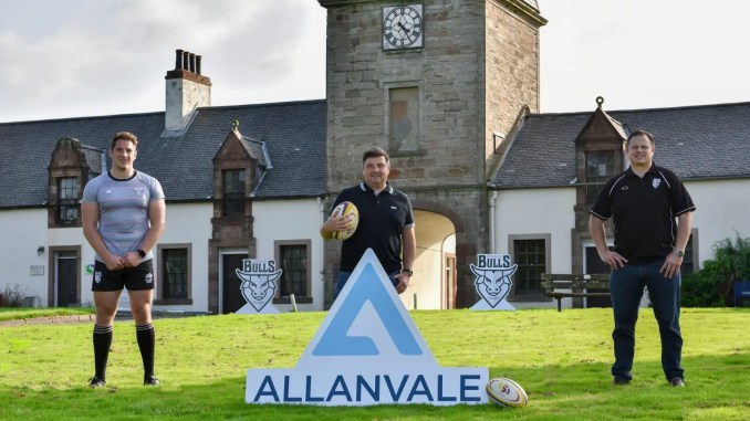 L to R: Ayrshire Bulls forward Blair Macpherson, Allanvale Principal Director Jim Kirkwood and Ayr RFC General Manager Glen Tippet launch a new three-year partnership at Auchincruive Estate. Image: George McMillan