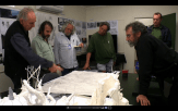 23 The Hobbit Production Video #2 - PJ, John Howe, Alan Lee and others reviewing designs