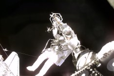 Astronaut Jeffrey Williams spacewalking on STS-10 ©