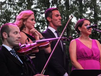 Pink Martini ©Wikipedia Commons