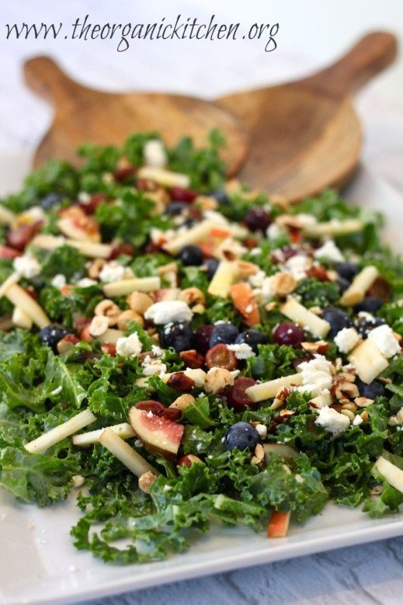 Kale Salad with Citrus Vinaigrette #kalesalad #citrusvinaigrette #wintersalad