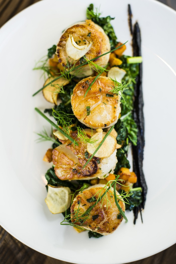 Divers Scallops with Kale and Sunchokes