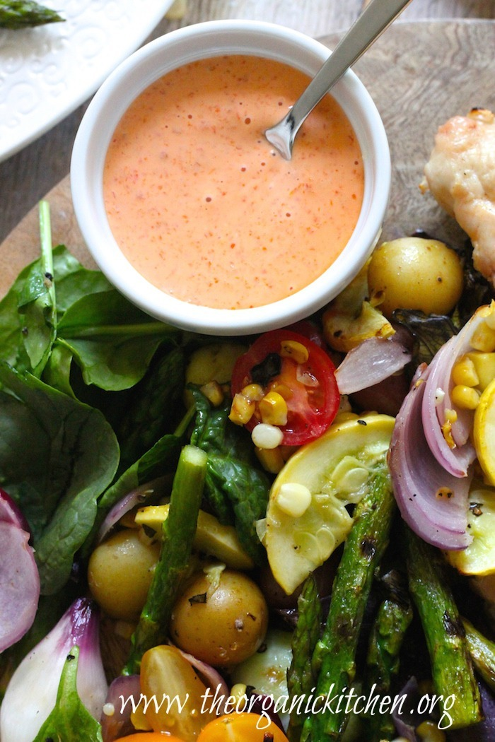 Grilled Chicken and Vegetables with Red Bell Pepper Sauce #whole30 #paleo #grilledchicken #grilledvegetables