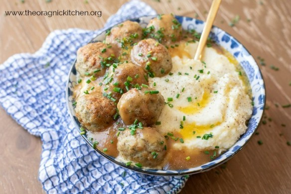 Turkey Meatballs with Gravy and Cauliflower Purée (Whole30-Paleo-Keto) #turkeymeatballs #paleo #whole30 #cauliflowerpuree