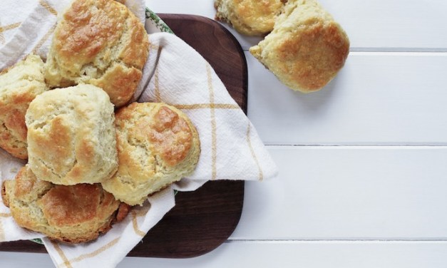 Easy Buttermilk Biscuits!