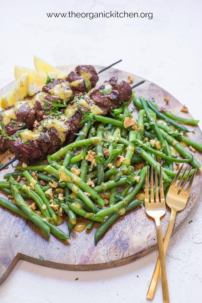 Steak Kabobs with Dijon Green Beans #steakkabobs #whole30steaks #ketosteak #paleosteak