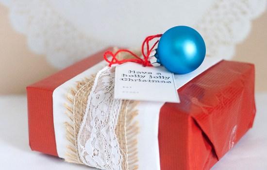 10 Crafty Gift Wrap Ideas