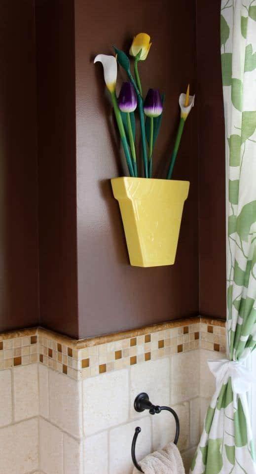 Powder Room - Vase And Flowers