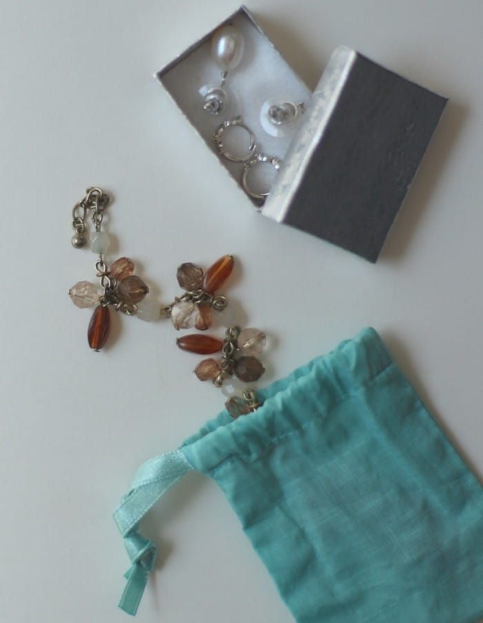 How To Pack Jewelry For Travel - Bracelet Bag And Earring Box